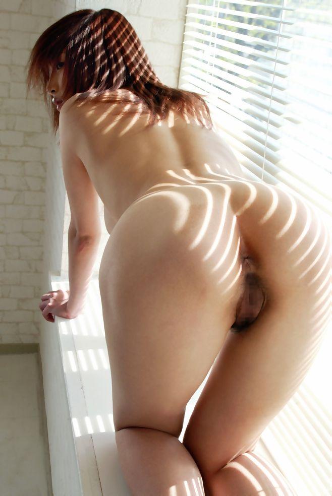 【アナルエロ画像】オマンコよりも見られると恥ずかしいという尻の穴を見せ付ける! 08