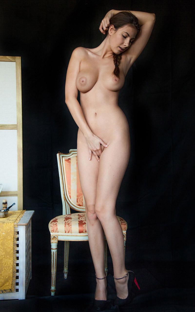 【海外ヌードエロ画像】眩しいほどに透き通る白人女性たちのヌード画像が萌え!