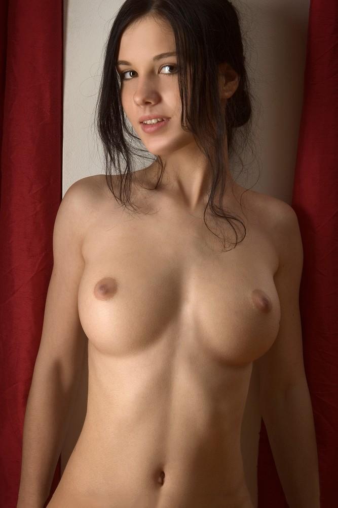 【海外おっぱいエロ画像】海外諸国の女の子達のおっぱい画像集めたった! 47