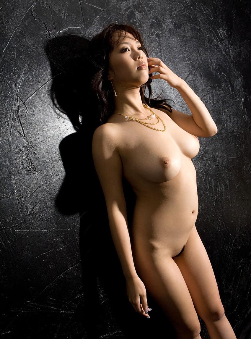【フルヌードエロ画像】これがエロスの原点!?一糸まとわぬフルヌードな女の子! 48
