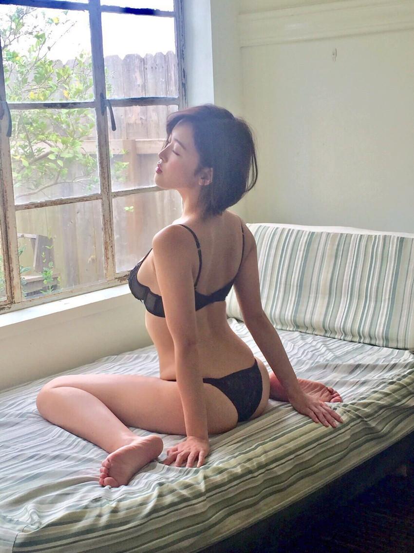 【セクシーランジェリーエロ画像】こんなセクシーな下着姿で誘惑されてみたい! 44