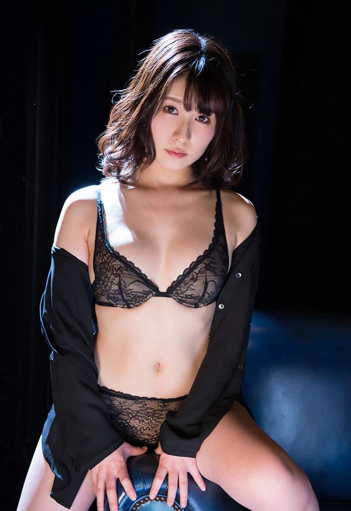 【セクシーランジェリーエロ画像】こんなセクシーな下着姿で誘惑されてみたい! 46
