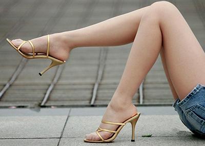【美脚エロ画像】おいしそうな生足!美脚の女の子の画像集めたった!