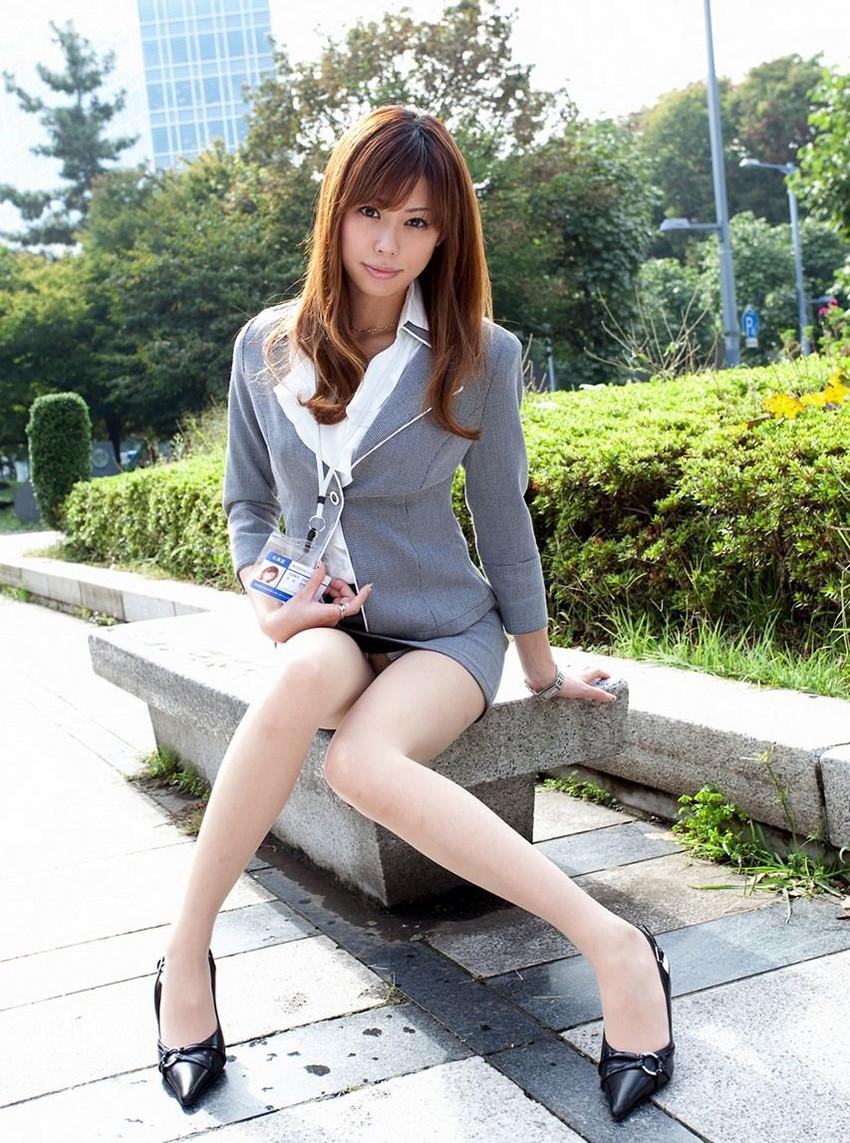 【美脚エロ画像】おいしそうな生足!美脚の女の子の画像集めたった! 11