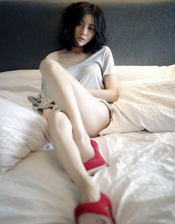 【美脚エロ画像】おいしそうな生足!美脚の女の子の画像集めたった! 29