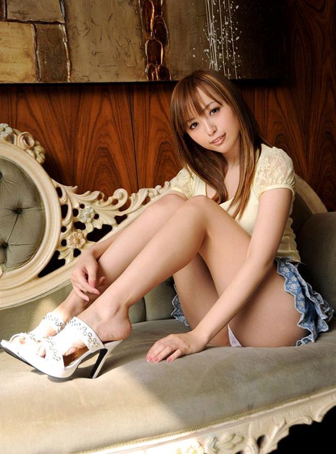 【美脚エロ画像】おいしそうな生足!美脚の女の子の画像集めたった! 50