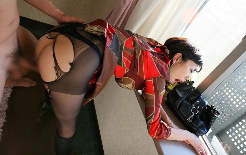 【着衣セックスエロ画像】着衣のままセックスに励む男女のエロ画像、エロ過ぎ! 31