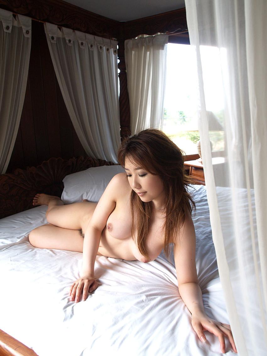 【フルヌードエロ画像】女の子の全裸は何時間みても見飽きることはないなww 11