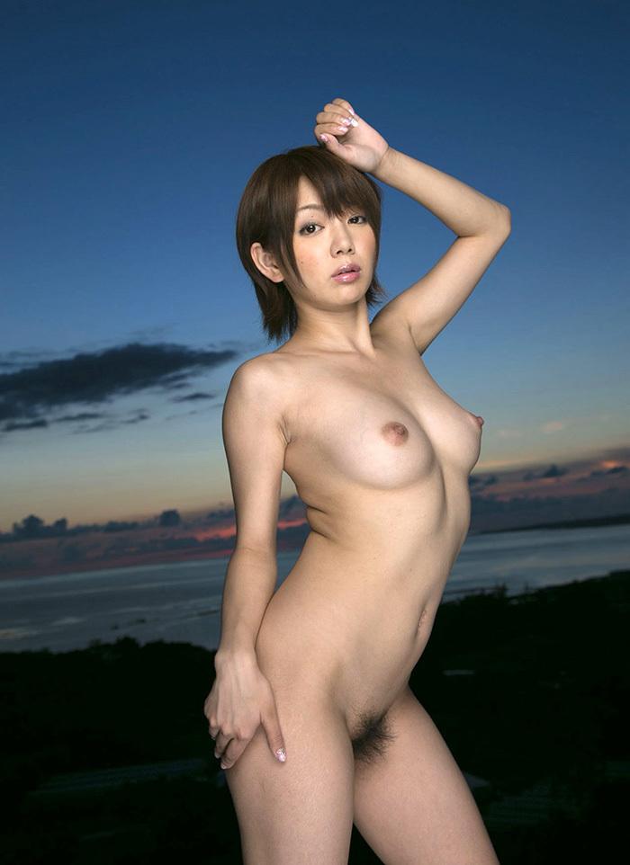 【フルヌードエロ画像】女の子の全裸は何時間みても見飽きることはないなww 54