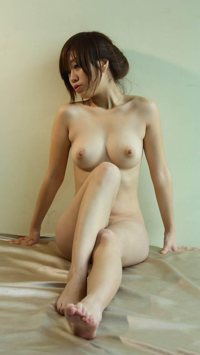 【フルヌードエロ画像】一糸まとわぬ女の子たちの生まれたままの姿に勃起不可避! 42