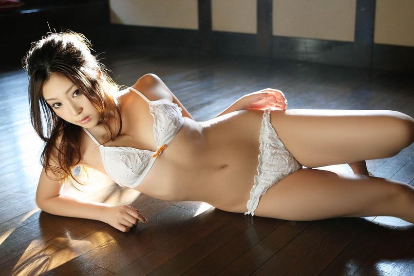 【セクシーランジェリーエロ画像】見た目で男を誘惑してしまうセクシーな下着! 23