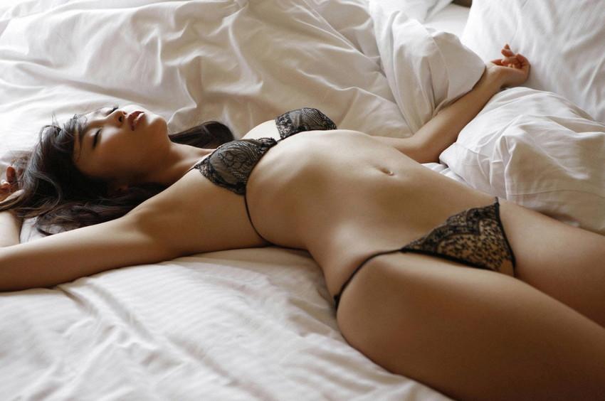 【セクシーランジェリーエロ画像】見た目で男を誘惑してしまうセクシーな下着! 30