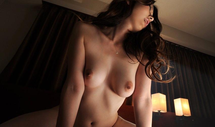 【騎乗位エロ画像】女の子自ら貪欲に快感を求めて腰をふる騎乗位!ww 05