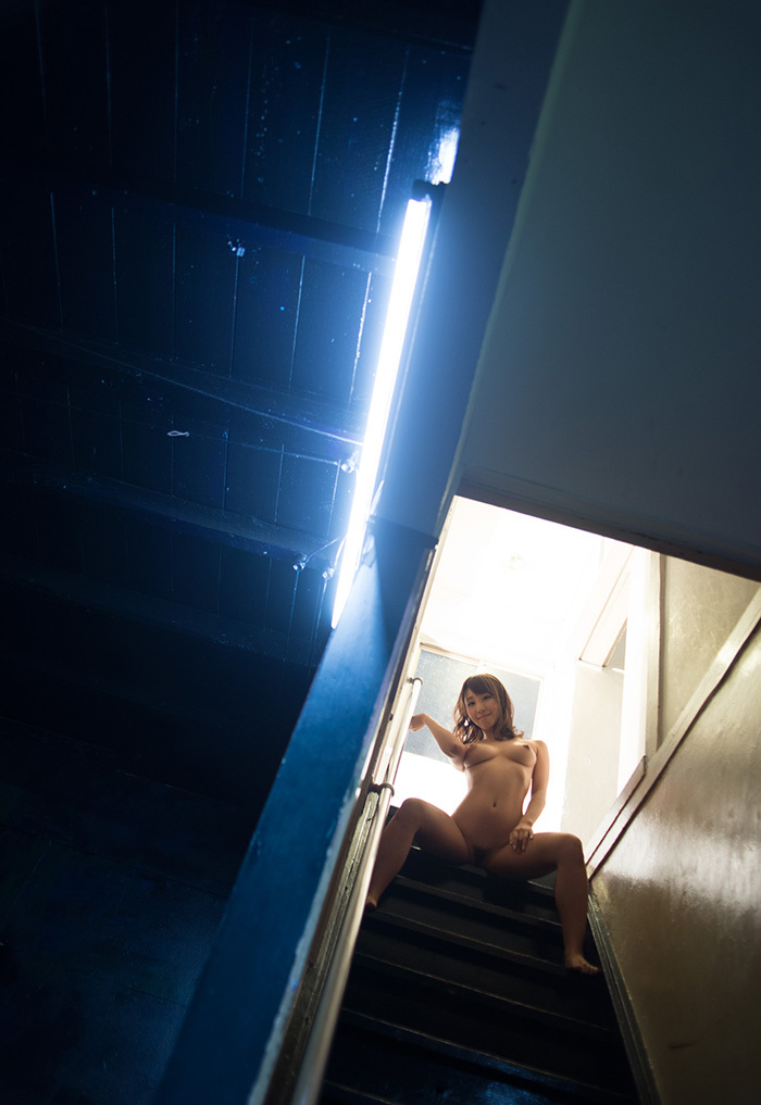 【フルヌードエロ画像】やっぱりエロい!一糸まとわぬフルヌードな女の子! 04