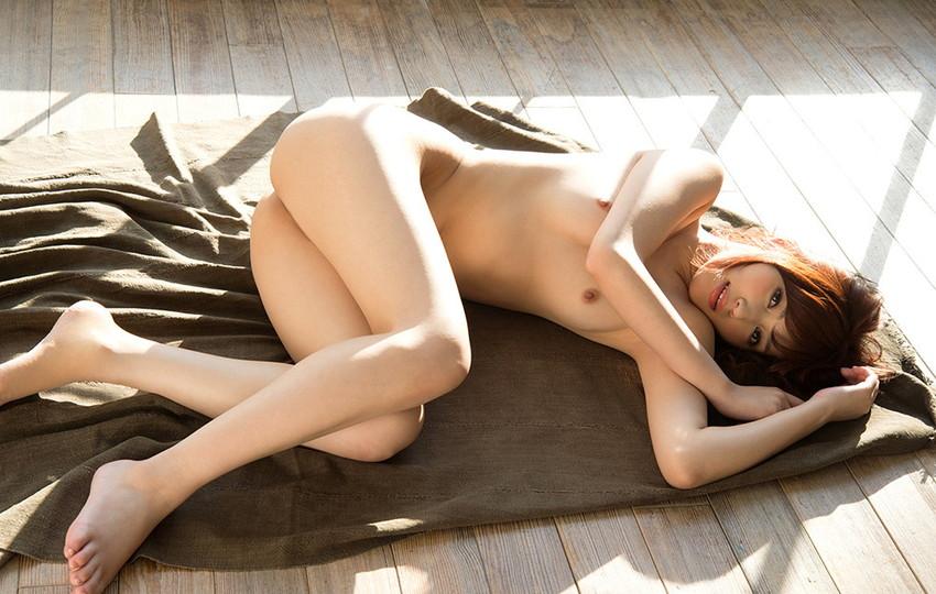 【フルヌードエロ画像】やっぱりエロい!一糸まとわぬフルヌードな女の子! 09