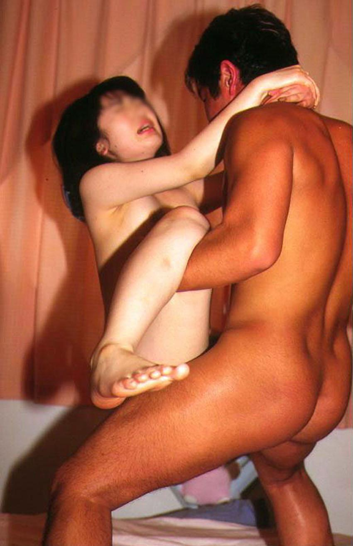 【立位エロ画像】様々な立位!立ったままでセックスする男女のエロ画像 18