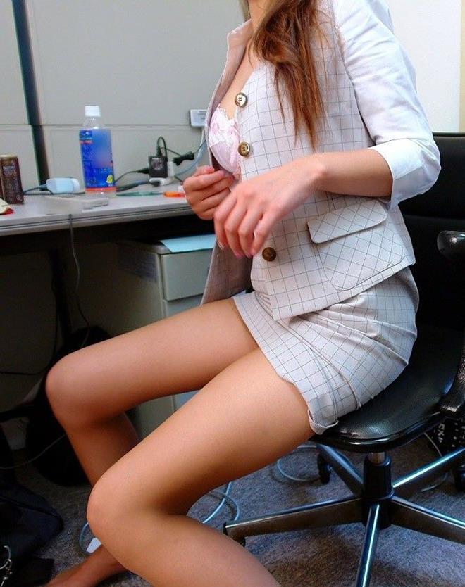 【美脚エロ画像】この脚線美を理解できるか!?美脚フェチ必見のエロ画像! 25