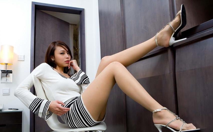 【美脚エロ画像】この脚線美を理解できるか!?美脚フェチ必見のエロ画像! 29