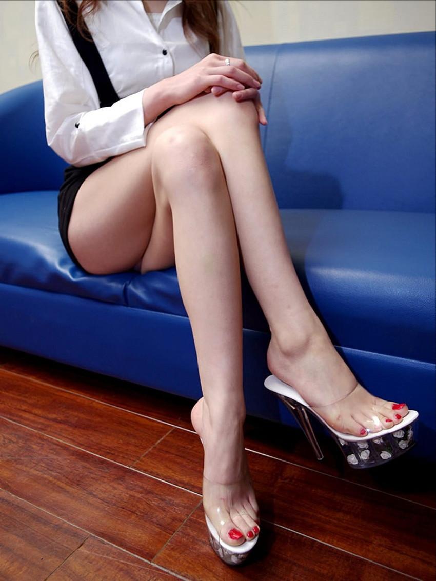 【美脚エロ画像】この脚線美を理解できるか!?美脚フェチ必見のエロ画像! 47