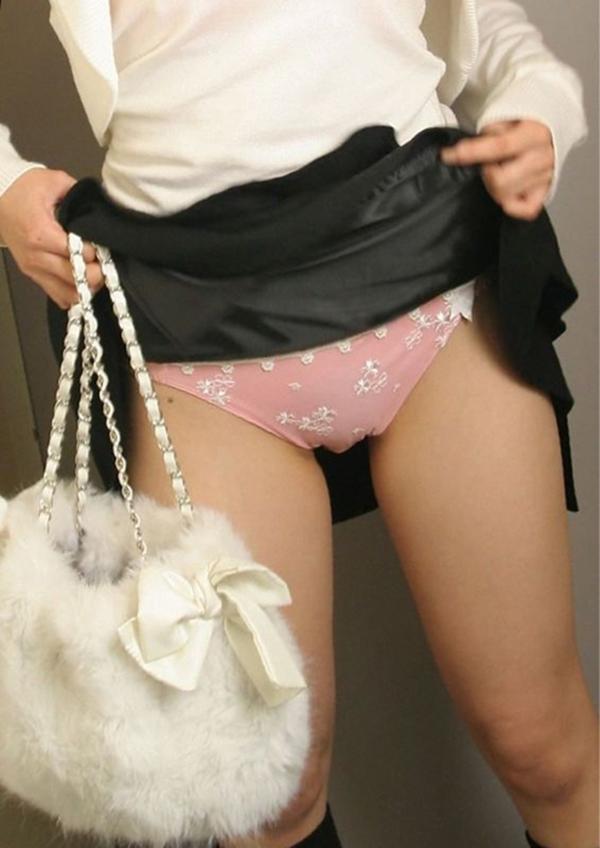 【セルフパンチラエロ画像】スカートの中身を自ら見せてくれる女の子!女神かよ!?w 09