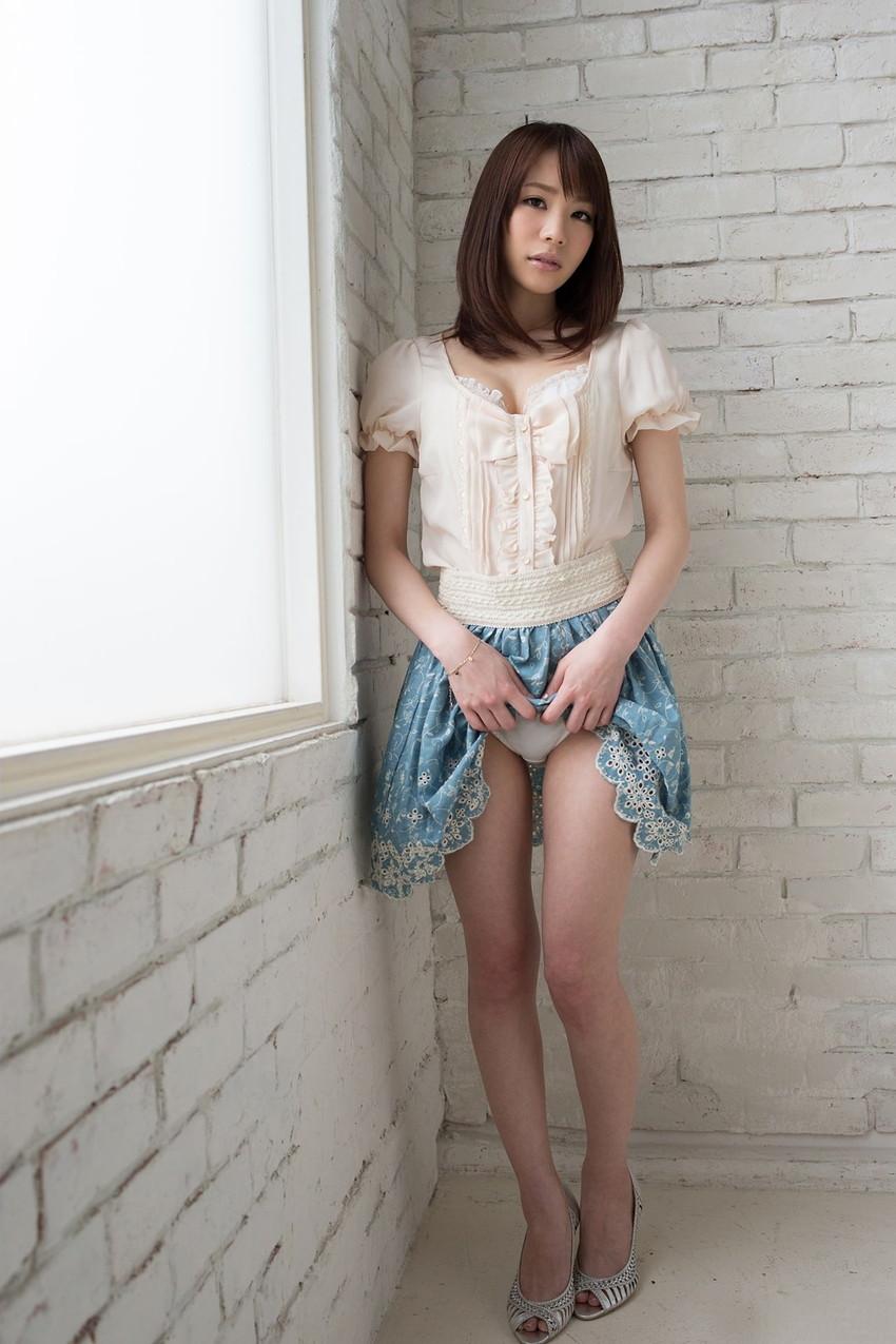 【セルフパンチラエロ画像】スカートの中身を自ら見せてくれる女の子!女神かよ!?w 44