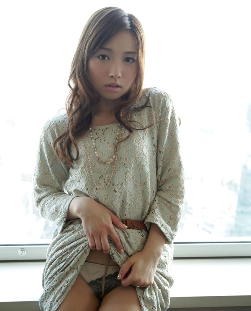 【セルフパンチラエロ画像】スカートの中身を自ら見せてくれる女の子!女神かよ!?w 48
