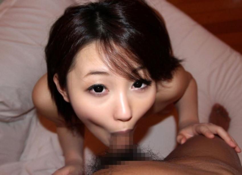 【全裸フェラチオエロ画像】やっぱりエロい!裸でチンポを咥え込む女!www 33