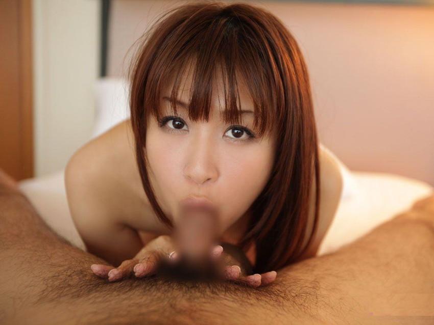 【全裸フェラチオエロ画像】やっぱりエロい!裸でチンポを咥え込む女!www 44