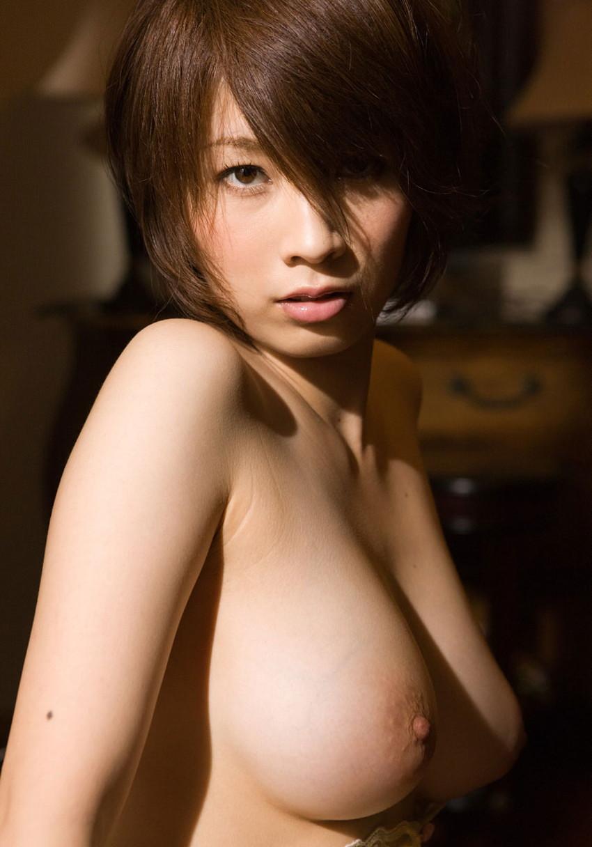 【美乳エロ画像】美しい…。ため息すら出そうな綺麗なおっぱいの女の子集めたった! 05