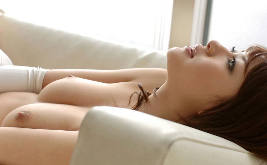 【美乳エロ画像】美しい…。ため息すら出そうな綺麗なおっぱいの女の子集めたった! 22