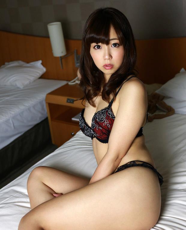 【下着姿エロ画像】ワイ、全裸ももちろん良いけど、下着姿というのも捨てがたい! 19