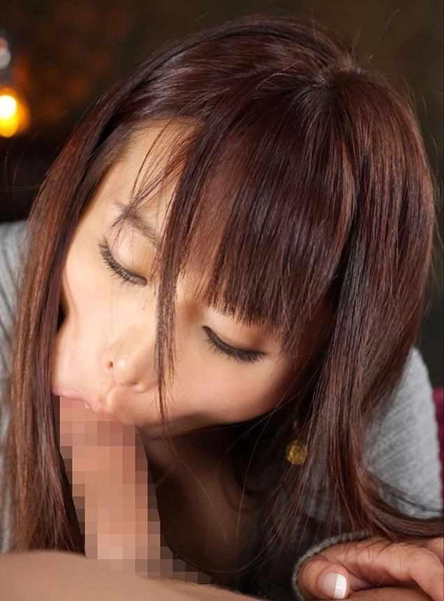 【着衣フェラチオエロ画像】女の子にはオシャレをしたままでチンポを咥えさせる! 31