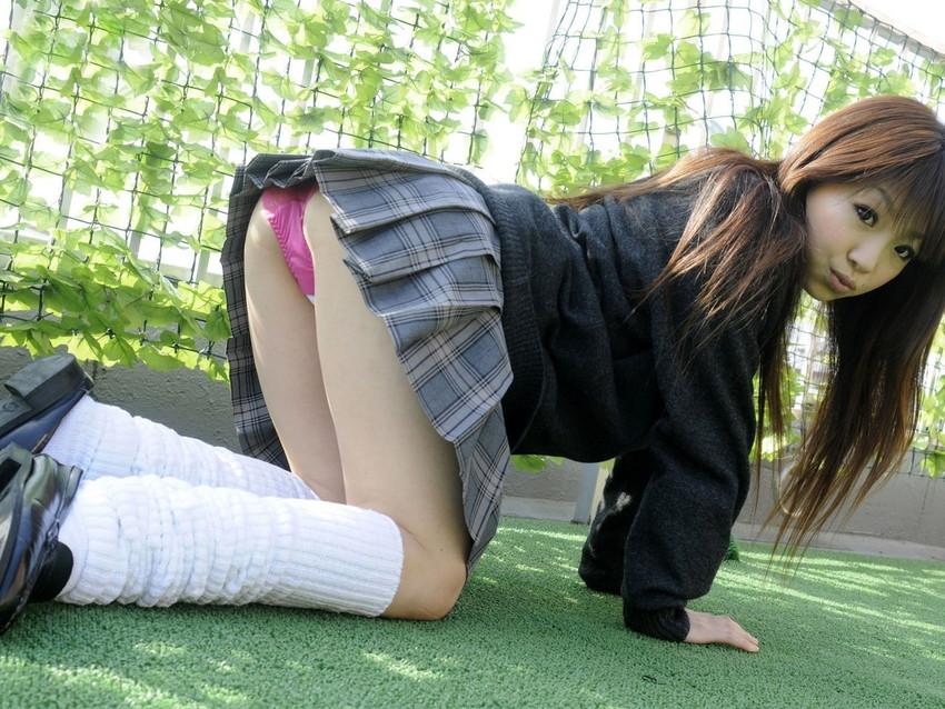 【JKコスプレエロ画像】イケナイ気持ちがムラムラ…JKコスプレしている女の子たち! 15