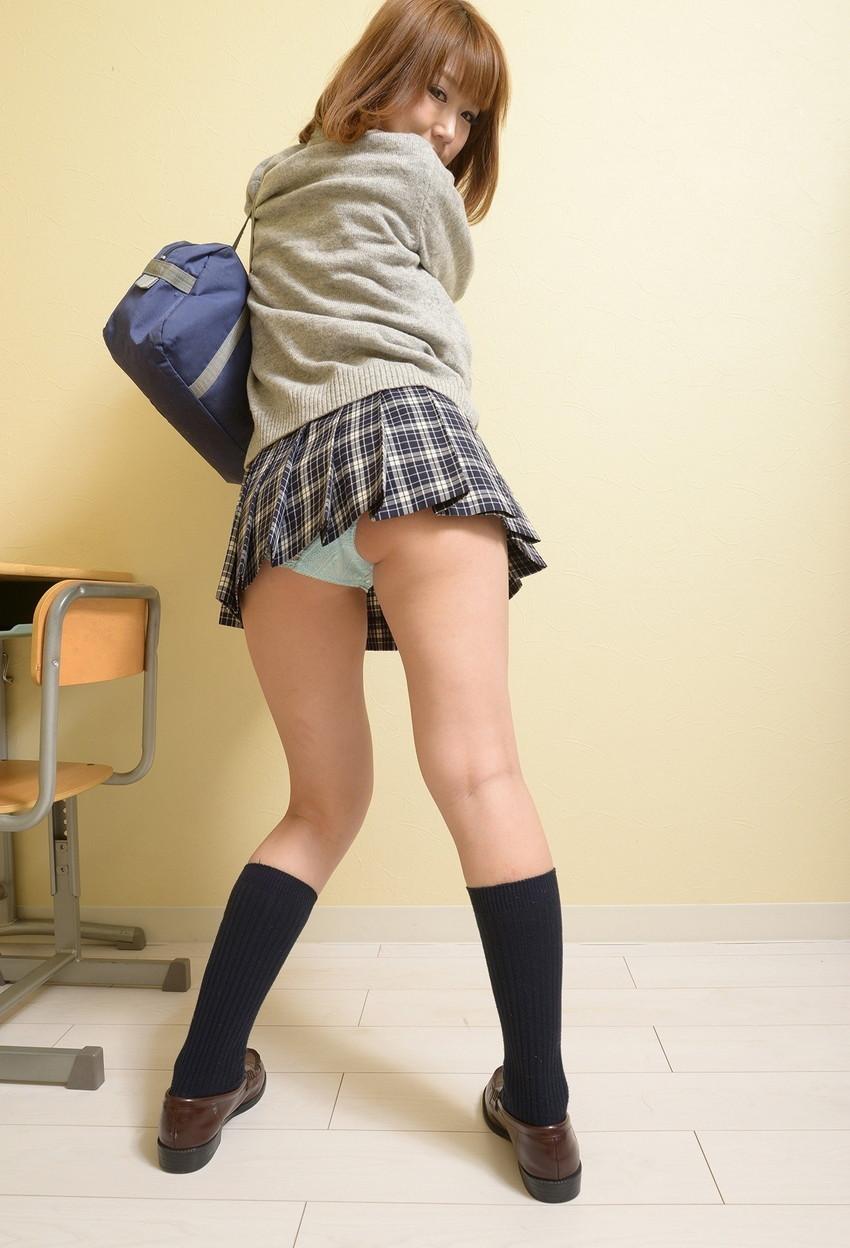 【JKコスプレエロ画像】イケナイ気持ちがムラムラ…JKコスプレしている女の子たち! 27