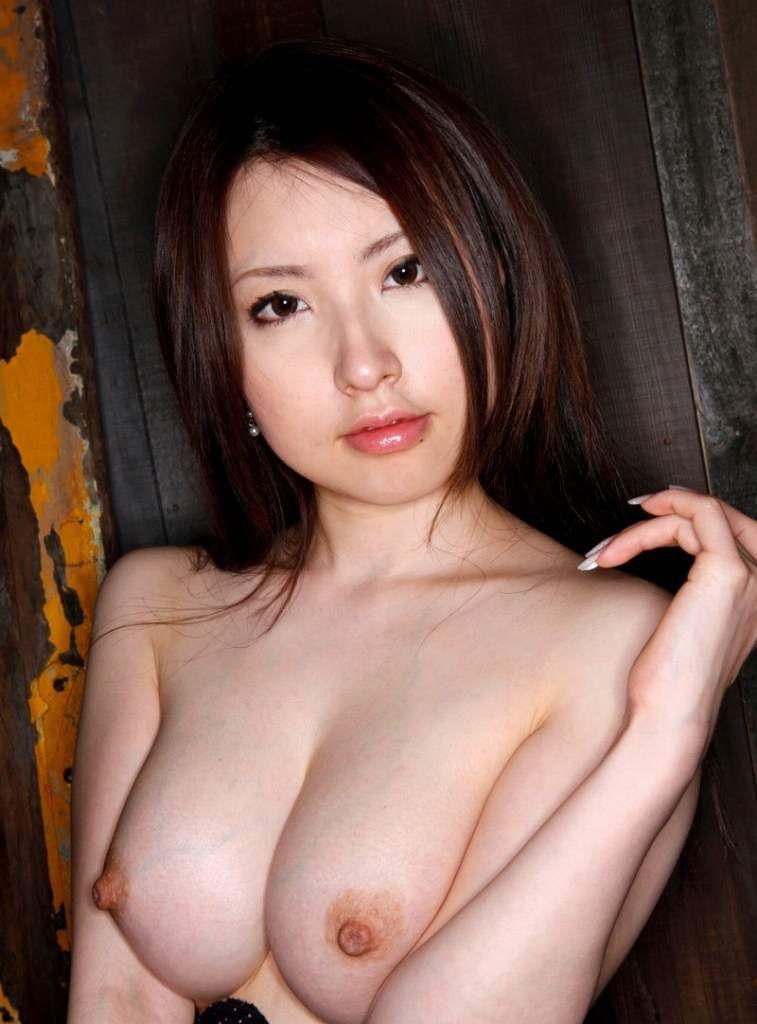【美乳エロ画像】おっぱいの綺麗な美乳の女の子の画像集めたったwwww 21