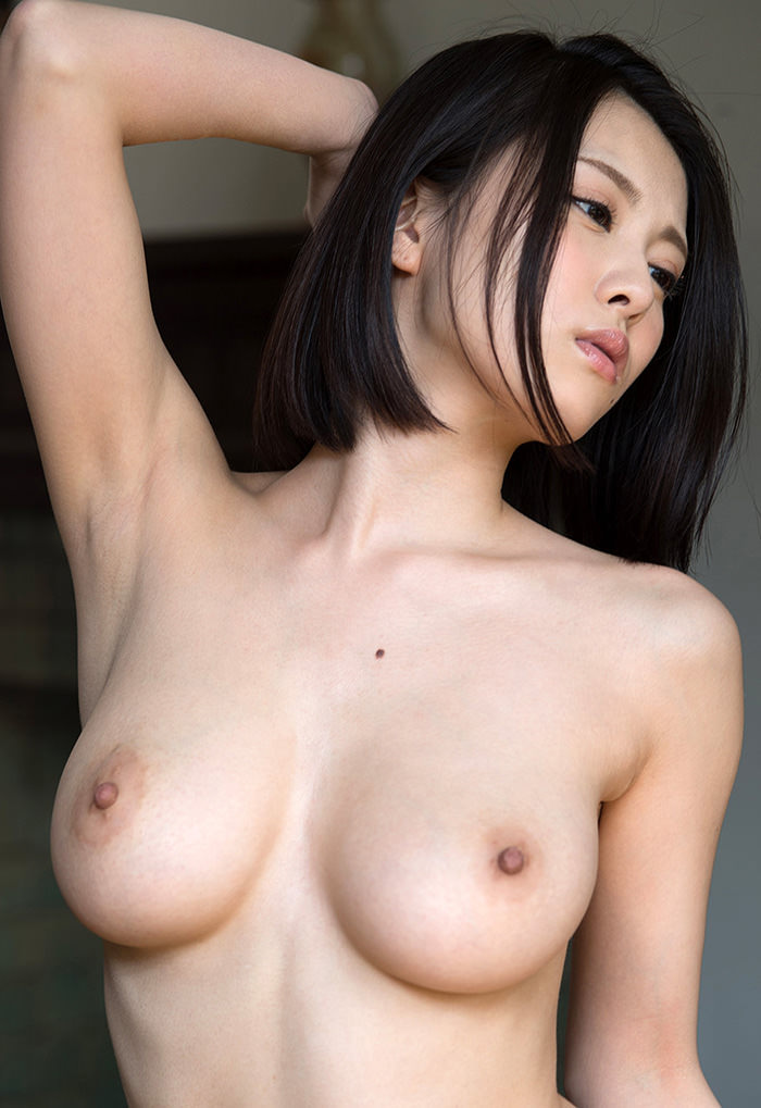 【美乳エロ画像】おっぱいの綺麗な美乳の女の子の画像集めたったwwww 37