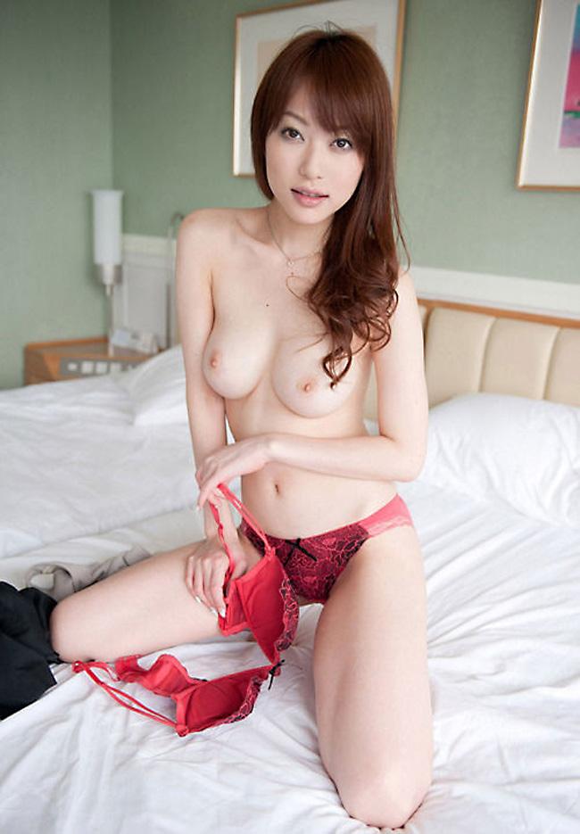 【美乳エロ画像】おっぱいの綺麗な美乳の女の子の画像集めたったwwww 51