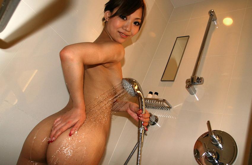 【シャワーエロ画像】バスルームでリラックスしてシャワーを浴びている女の子! 25