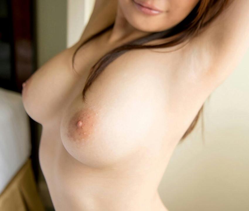 【美乳エロ画像】おっぱいの美しい女の子ってそれだけで得してると思うんだよなw 46