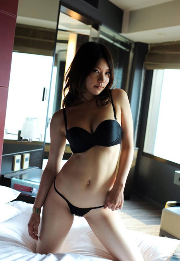 【下着姿エロ画像】裸よりもエロい!?下着姿の女の子たちの画像集めたった! 04
