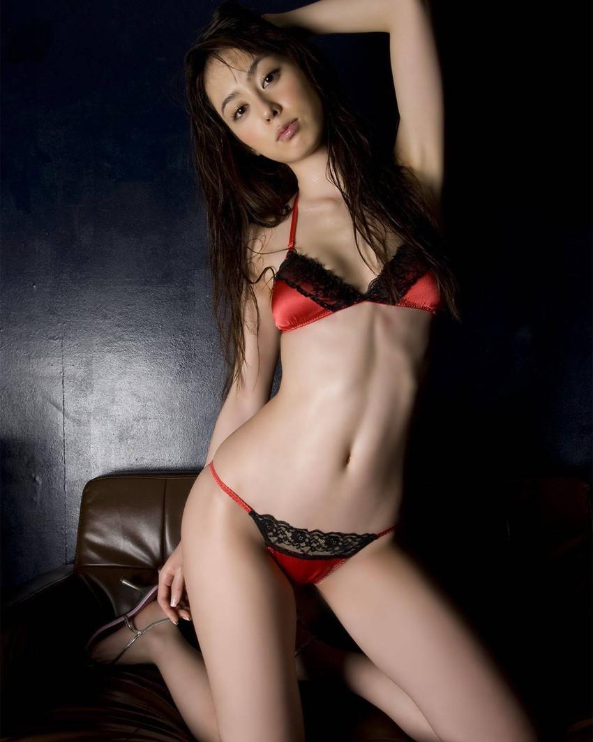 【下着姿エロ画像】裸よりもエロい!?下着姿の女の子たちの画像集めたった! 09