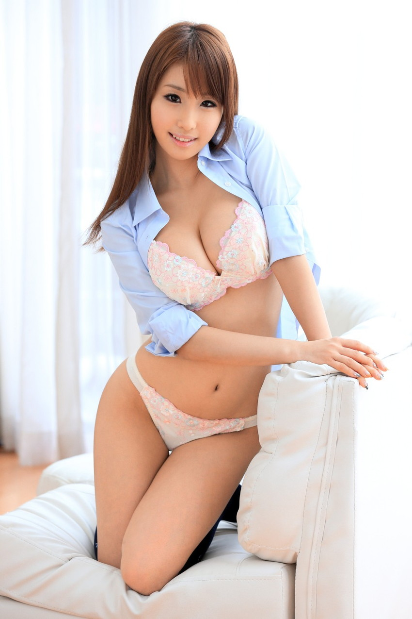 【下着姿エロ画像】裸よりもエロい!?下着姿の女の子たちの画像集めたった! 25