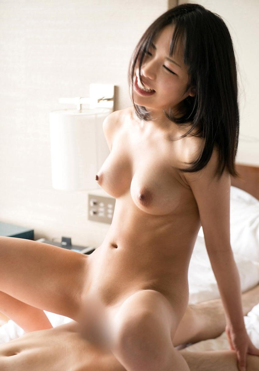 【騎乗位エロ画像】騎乗位で積極的にセックスする女の画像集めたら勃起したwww 29