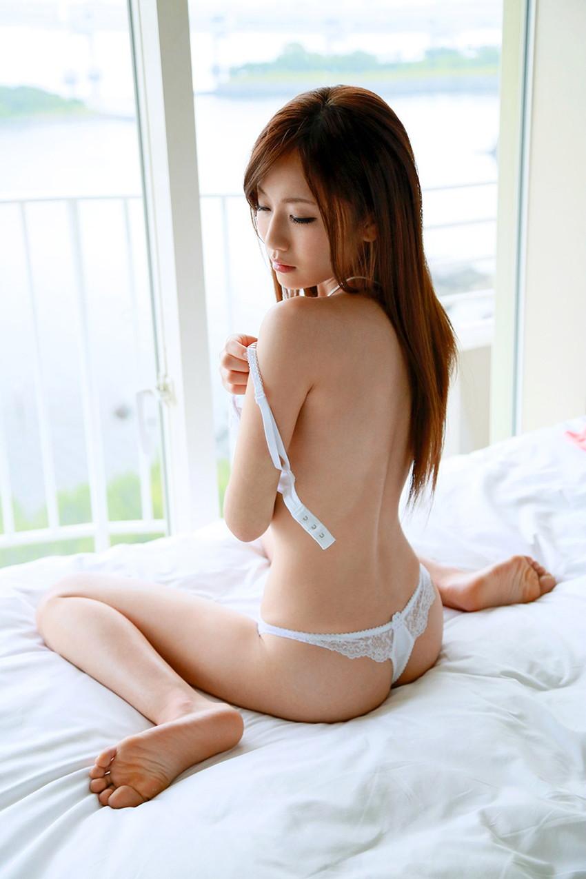 【Tバックエロ画像】Tバック下着でセクシーに彩られた女の子の美尻! 45