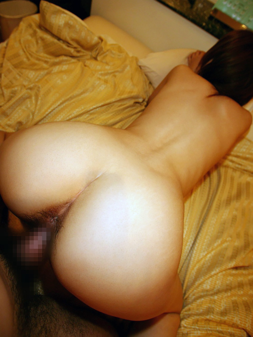 【バックエロ画像】バックからオマンコ突かれて感じまくっている女の子! 12