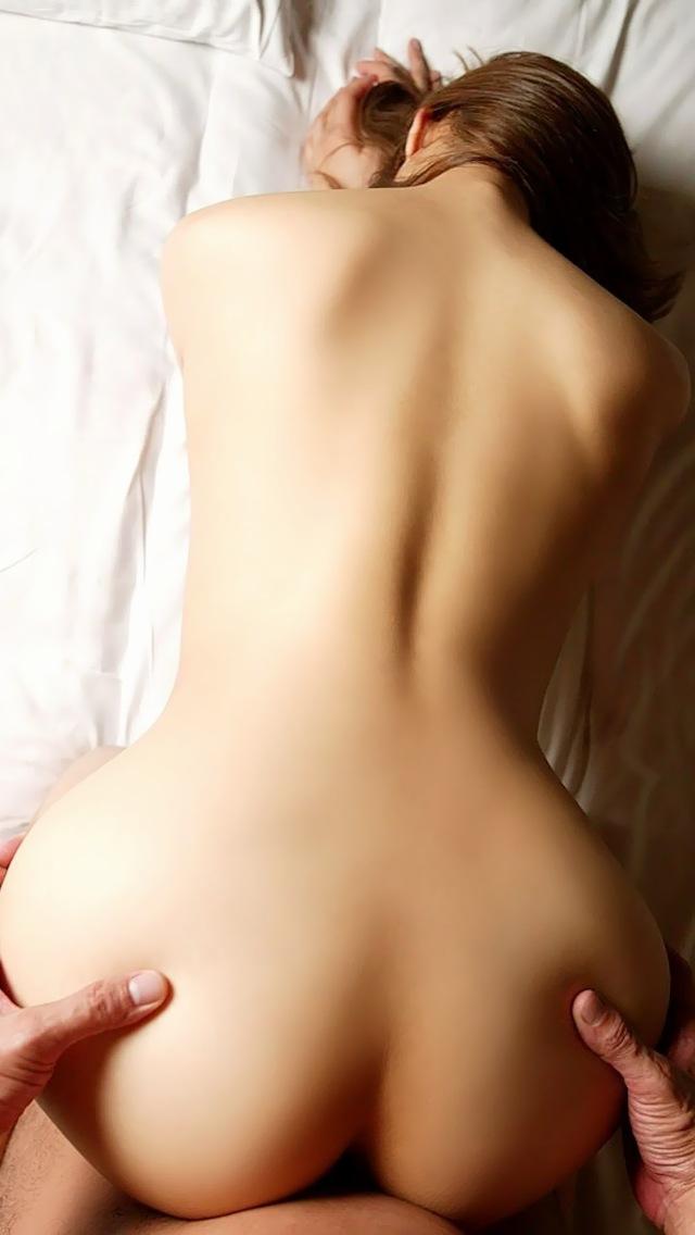 【バックエロ画像】バックからオマンコ突かれて感じまくっている女の子! 55