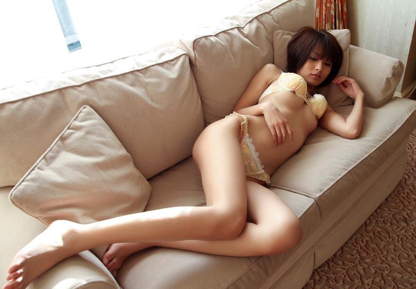 【下着姿エロ画像】裸より露出は少ないけど、下着姿の女の子ってエロカワだよな! 26