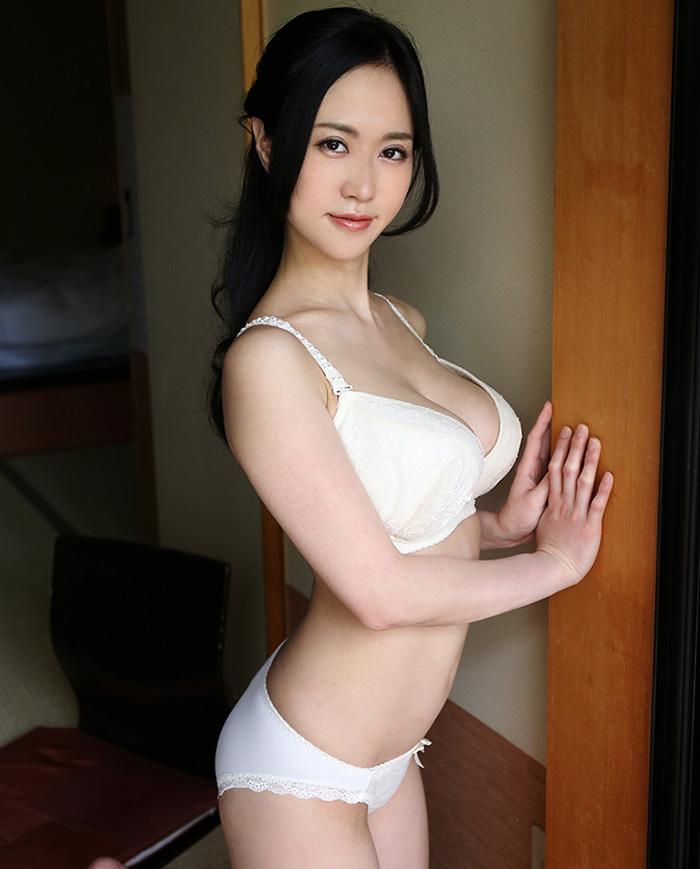 【下着姿エロ画像】裸より露出は少ないけど、下着姿の女の子ってエロカワだよな! 45