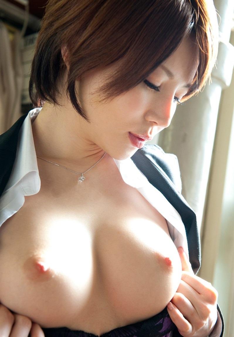 【美乳エロ画像】思わず画像に手を伸ばしてしまいそうなほどに美しい美乳の女の子! 22