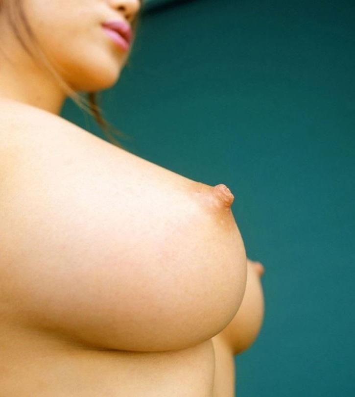 【美乳エロ画像】思わず画像に手を伸ばしてしまいそうなほどに美しい美乳の女の子! 50